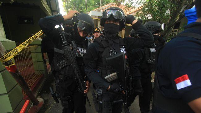 Polisi Tangkap Penyembunyi Teroris Thamrin di Sumedang