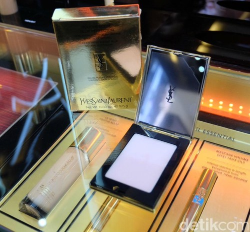 YSL Rilis Produk Kosmetik Yang Bekerja Seperti Filter Di