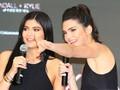 Koleksi Terbaru Kreasi Kendall dan Kylie Jenner