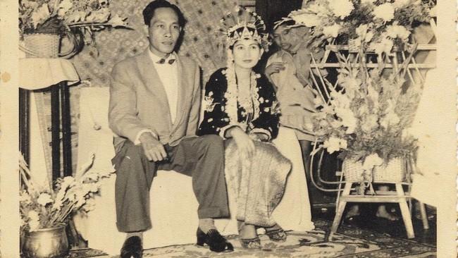 Pram, nama aliasnya, menjalani masa dewasa di era rezim Orde Lama dan Orde Baru yang sarat tekanan. Agaknya satu-satunya momen bahagia bagi pria kelahiran Blora, 6 Februari 1925 ini, kala menyunting Maemunah Thamrin, dan membina rumah tangga.