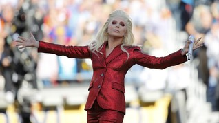 Perjumpaan Spiritual Lady Gaga dengan Dalai Lama