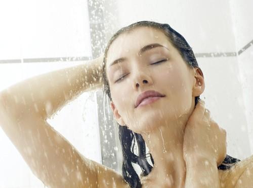 Mandilah Air Hangat Sebelum Tidur, Ini Khasiat yang akan Anda Dapat