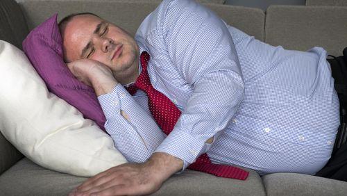 8 Kesalahan Umum yang Membuat Tidur Tak Nyenyak (2) 1