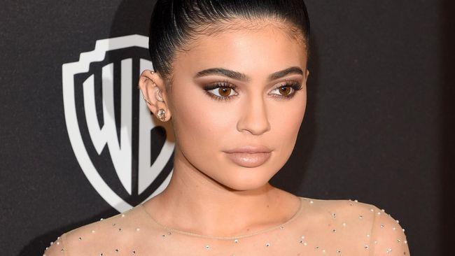 Kylie Jenner Patenkan Namanya untuk Merek Dagang