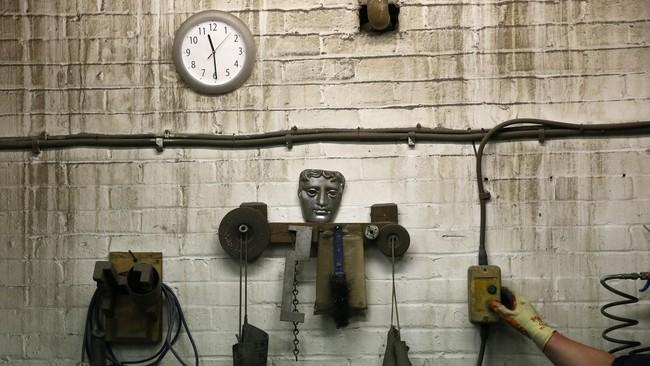 <p>Meski BAFTA Awards adalah ajang asal Inggris, piala topeng itu didesain oleh pemahat patung asal Amerika Serikat, Mitzi Cunliffe. Sejak 1955, topeng itu dijadikan simbol elegansi seni dan dunia perfilman.</p>