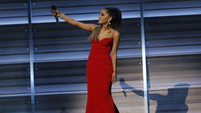 Ariana Grande Masih Suka Kenang Mac Miller