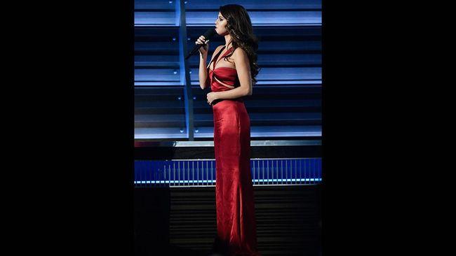Gaun Grammy Selena Gomez Baru 'Berusia' 4 Hari Sejak NYFW