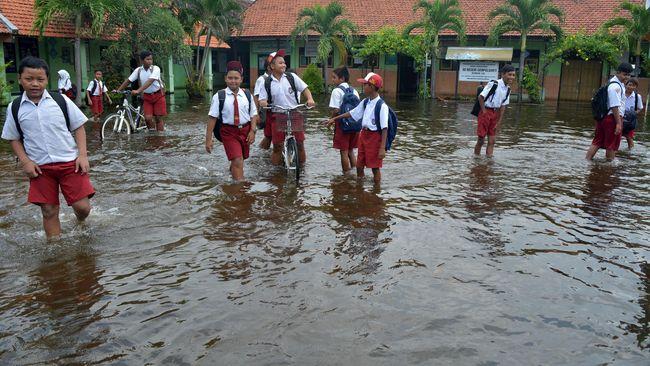 Puluhan Sekolah di Jakarta Diliburkan karena Kebanjiran