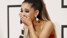 Ariana Grande Mewek Terkenang Bom Manchester