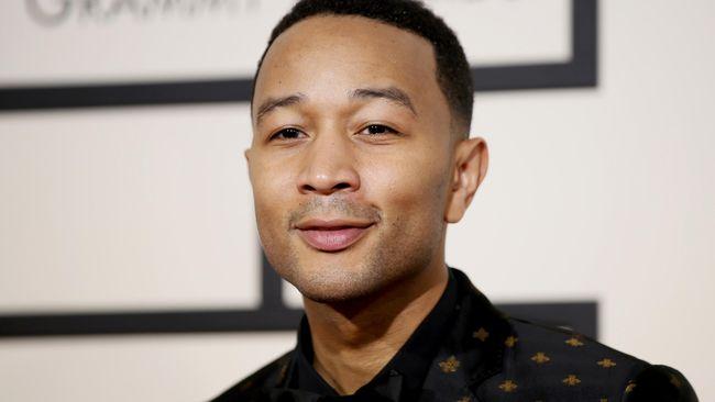 John Legend Catat Sejarah Baru Ajang Penghargaan