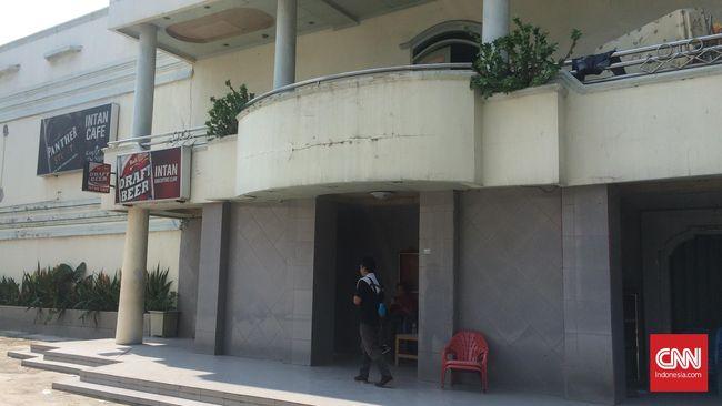 Razia Kalijodo, Polisi Temukan Ratusan Senjata di Kafe Intan