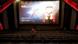 7 Kebiasaan Buruk Saat Nonton di Bioskop