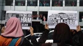 Isak Sofie, Waria Depok Respons Rencana Wali Kota Razia LGBT