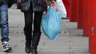 Kantong Plastik Berbayar Belum Tepat Sasaran