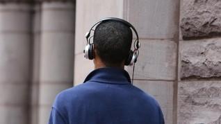 Generasi Millennial Manfaatkan Ponsel untuk Hindari Interaksi