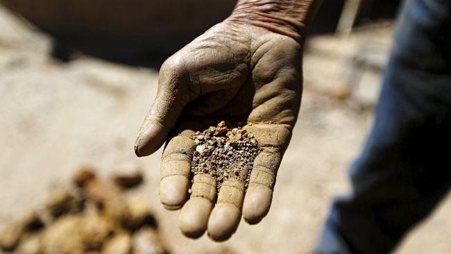 Jokowi 'Kalahkan' Duterte soal Tata Kelola Pertambangan