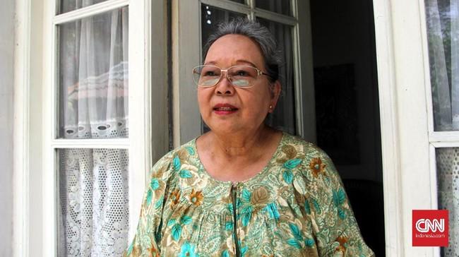 Pada 29 Februari 2016, Nh Dini merayakan ulang tahun ke-80 di Semarang, Jawa Tengah. Sekalipun telah lanjut usia, ia masih aktif menulis—kini dengan komputer. Senyum ceria pun tetap menghiasi wajahnya, mengimbangi watak keras.