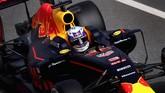 Tak banyak perubahan yang dilakukan Red Bull pada mobil. Setelah kisruh di akhir musim lalu, Red Bull pun masih menggunakan mesin Renault. (Getty Images/Clive Mason)