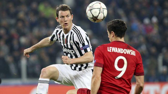 Lichtsteiner Bergabung ke Arsenal Usai Tinggalkan Juventus