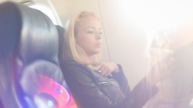 Tips Atasi Fobia Naik Pesawat Terbang