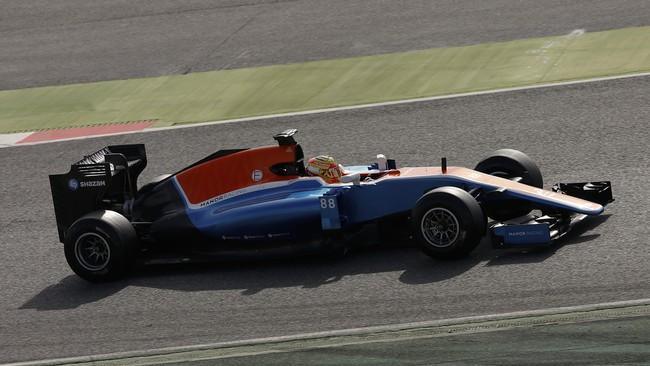 Catatan waktu Rio Haryanto tertinggal hampir lima detik dari pebalap Force India, Nico Hulkenberg, yang menjadi pebalap tercepat pada tes hari ketiga di Sirkuit Katalonia, Barcelona. (REUTERS/Sergio Perez)