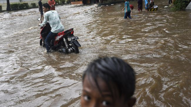 Hujan Deras, Permukiman di Bekasi Tergenang