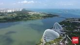 Sands Skypark Observation Desk merupakan salah satu lokasi populer bagi wisatawan yang ingin melihat pemandangan Singapura secara keseluruhan dari atas gedung tinggi.