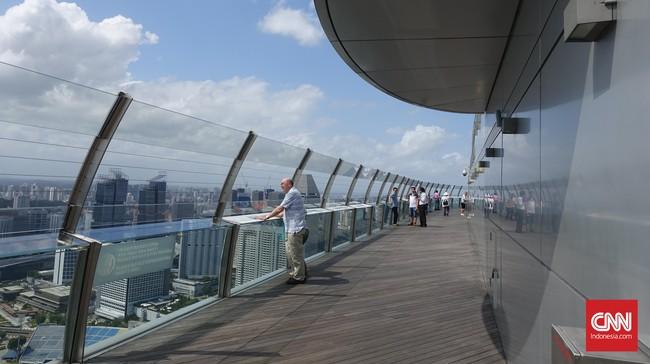 Untuk bisa memasuki tempat ini pengunjung dikenakan biaya sebesar S$23 (Rp220 ribu) untuk orang dewasa, S$17 (Rp162 ribu) untuk anak usia 2-12 tahun dan S$20 (Rp190 ribu) untuk warga Singapura di atas 65 tahun.