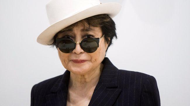 Batu Bertulisan Tangan Yoko Ono Dicuri dari Museum