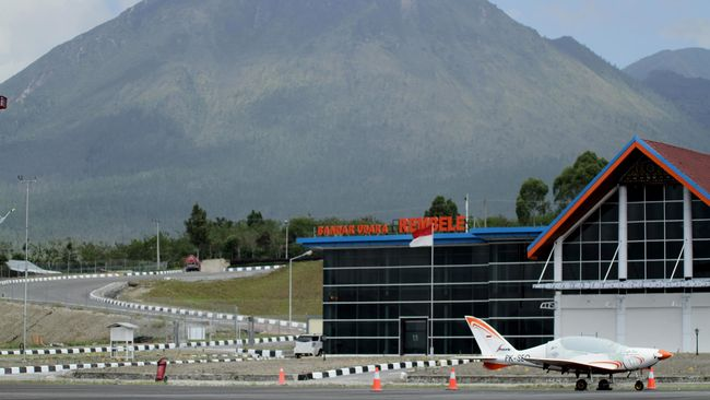 Presiden Jokowi Resmikan Pengembangan Bandara Rembele Aceh