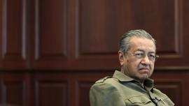 Terima Politikus Pembelot UMNO, Mahathir Dianggap Berkhianat