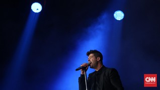 Robin Thicke Kenang Kematian Ayah dalam Lagu Baru 'Testify'