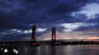 Jelang Asian Games, Lantai Jembatan Ampera Palembang Retak