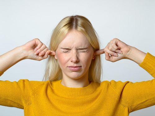 4 Gejala Anda Alami Gangguan Pendengaran dan Ketulian 1