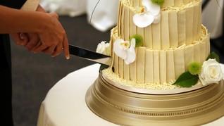 Pasangan AS Simpan dan Santap Kue Pernikahan Selama 50 Tahun