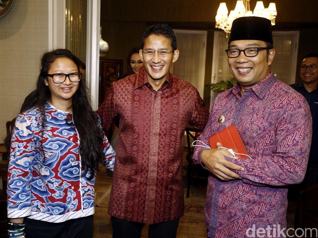 Foto: Adu Gaya Sandiaga Uno vs Ridwan Kamil, Siapa Paling Keren?