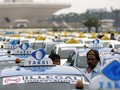 Gelar Unjuk Rasa, Taksi dan Angkot Konvoi Menuju Titik Kumpul