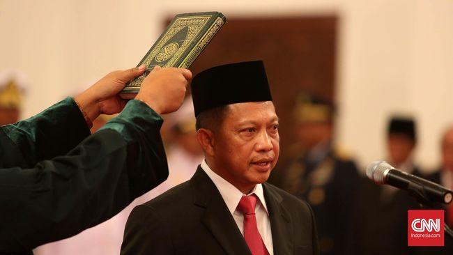 Presiden Jokowi Lantik Kepala BNPT dan Bakamla di Istana