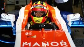 Galeri Aksi Rio Haryanto di F1 2016