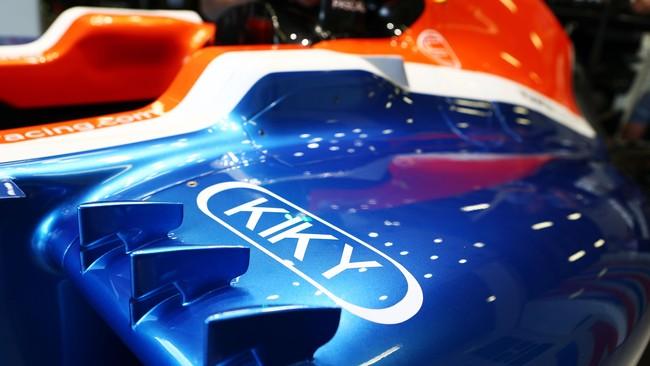Perusahaan asal Indonesia lain yang mendapatkan tempat di mobil Rio Haryanto adalah Kiky yang logonya terpampang di bagian samping. (CNN Indonesia Rights Free/Manor Grand Prix Racing Ltd)