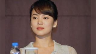 FOTO: Song Hye Kyo, 'Dewi' Fashionable Korea Selatan