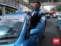 Cerita Sopir Blue Bird 'Tergilas' Taksi Online