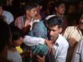 Suasana Duka Selimuti Keluarga Korban Bom di Pakistan