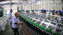 Kala Perang Dagang Bikin Produsen Tekstil Gagal Bayar Utang