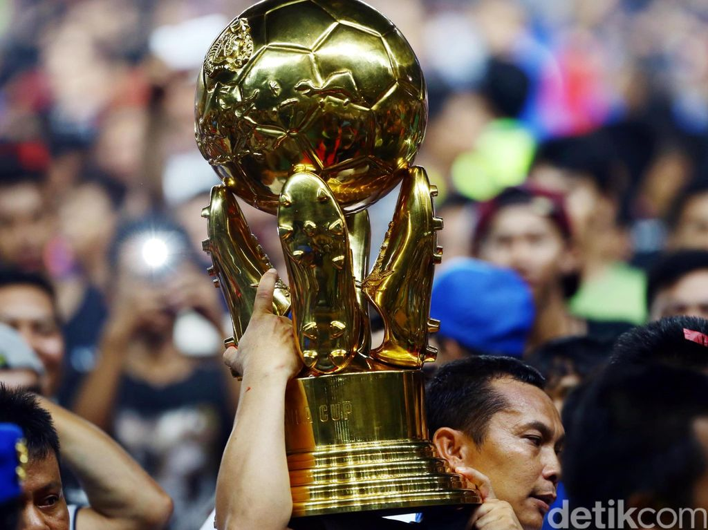 Arema Cronus menjadi yang terbaik dalam pagelaran Piala Bhayangkara 2016.