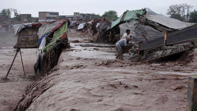 Banjir Bandang Tewaskan 53 Orang di Pakistan