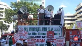 Kala Ratusan Orang Tuntut KPK Jerat Ahok