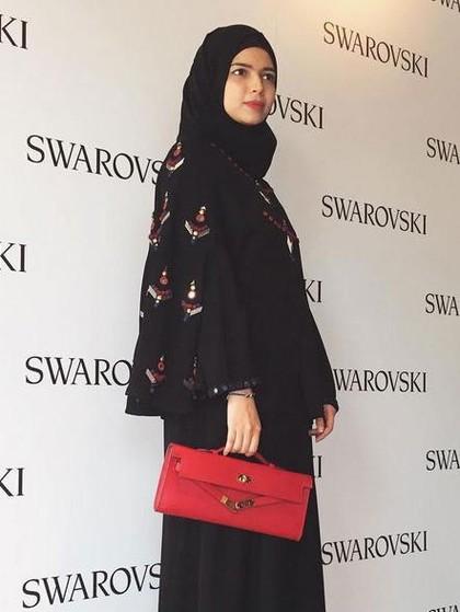Desainer Vivi Zubedi Fokus Angkat Abaya yang Modis Namun Tetap Syari