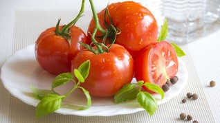 Menguak Mitos Tomat untuk Memperbesar Penis