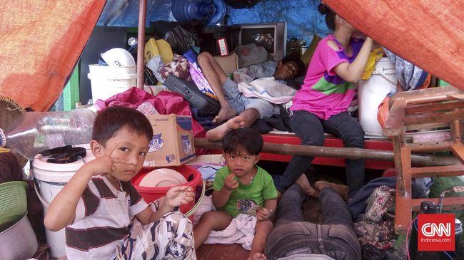 Nasib Warga Pasar Ikan Menjadi Manusia Perahu